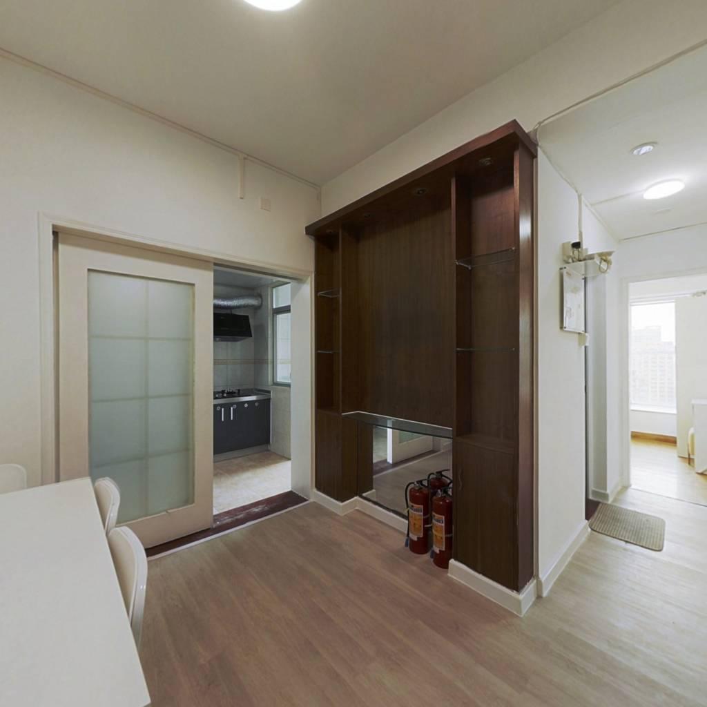 合租·润粤大厦 4室1厅 北卧室图