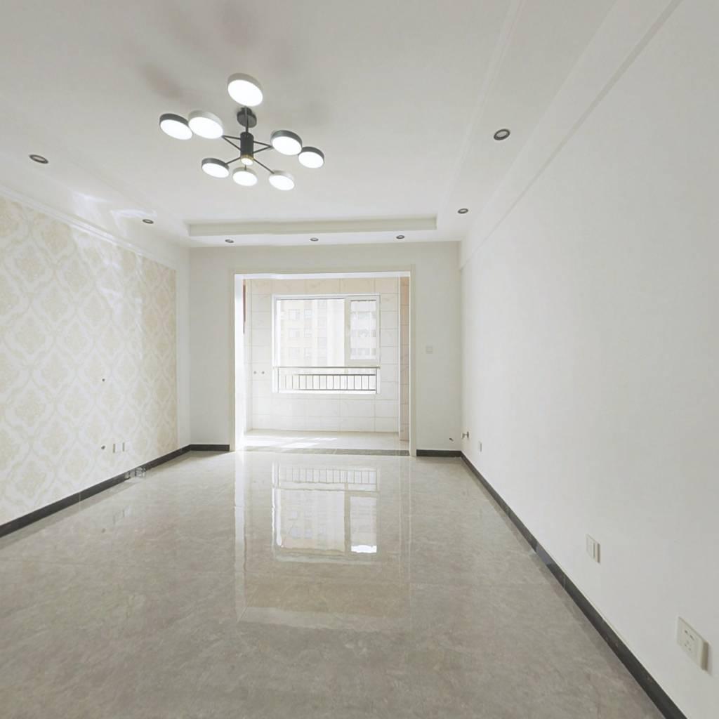 宝丽阳光国际大产权,精装修,两室随时看房