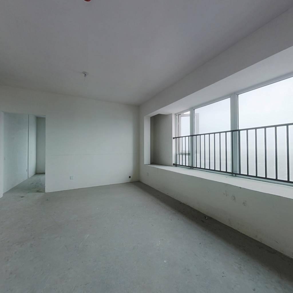纯边套三房 中间楼层 对口上师大  看房方便