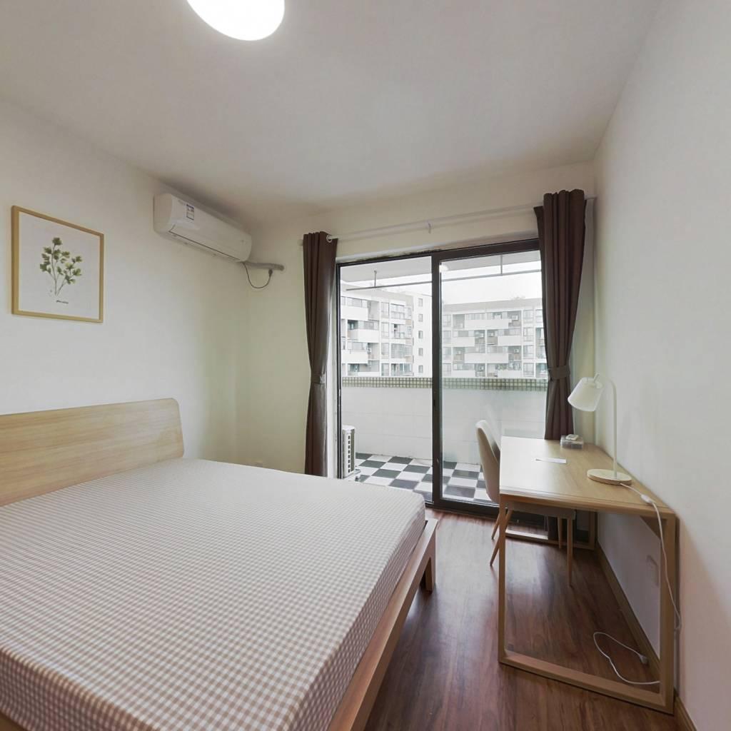 合租·白兰地 4室1厅 西卧室图