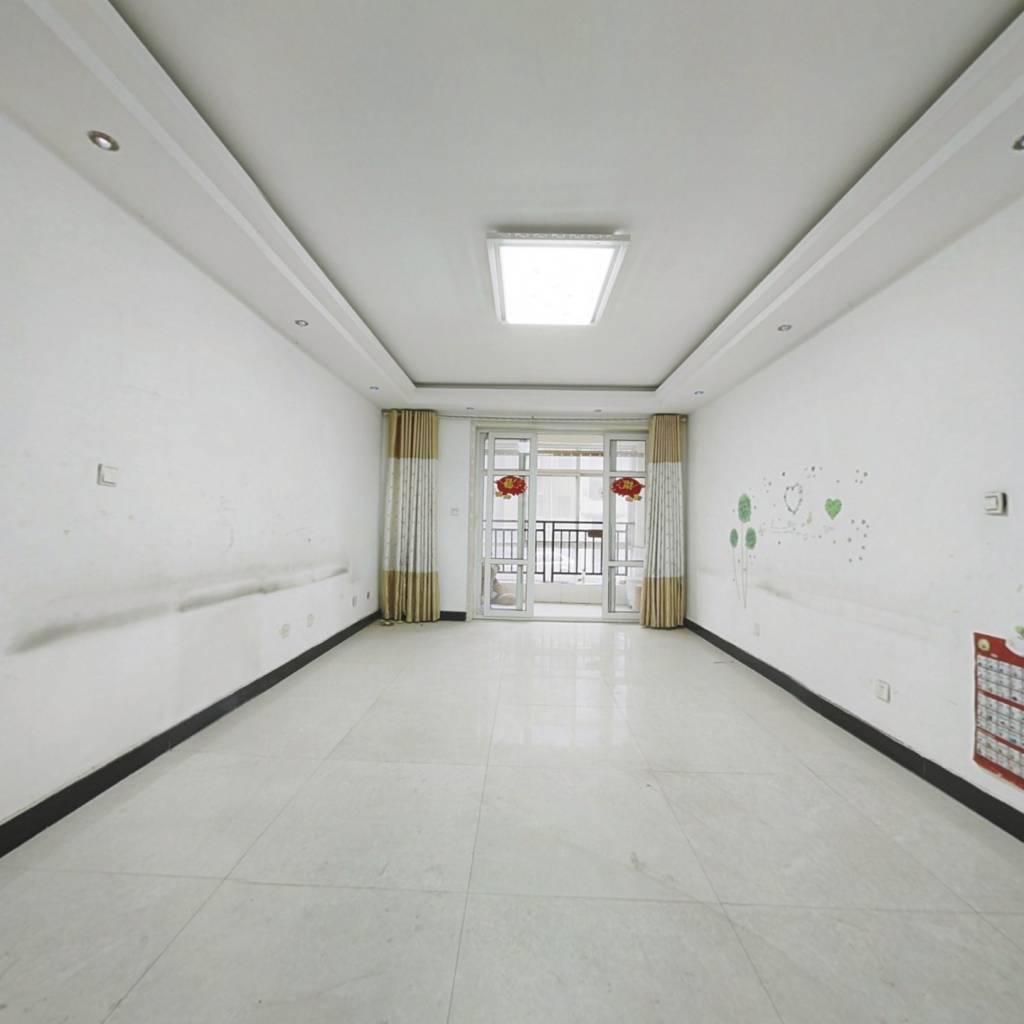 阳光新苑低楼层带车库,两室朝阳元宝户型
