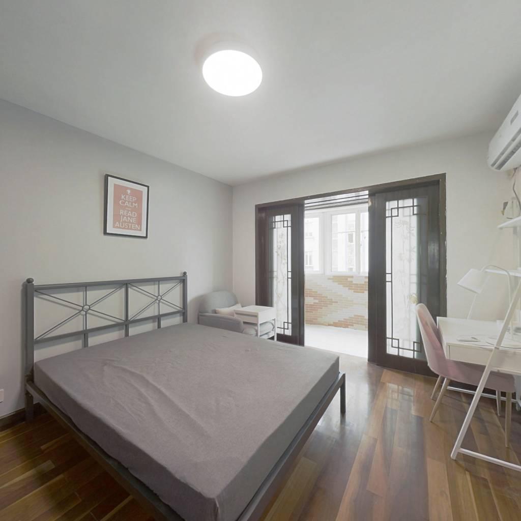 合租·龙翔雅苑 4室1厅 东卧室图