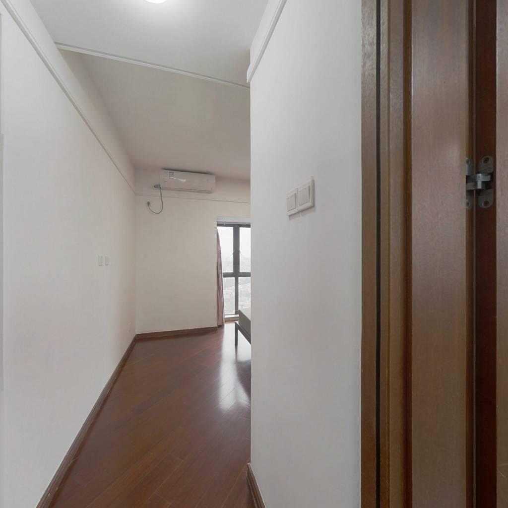 合租·万科城四期 5室1厅 东卧室图
