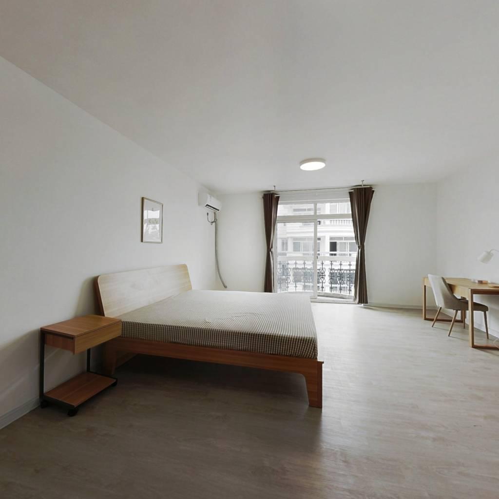 合租·蓝天城市花园 5室1厅 南卧室图