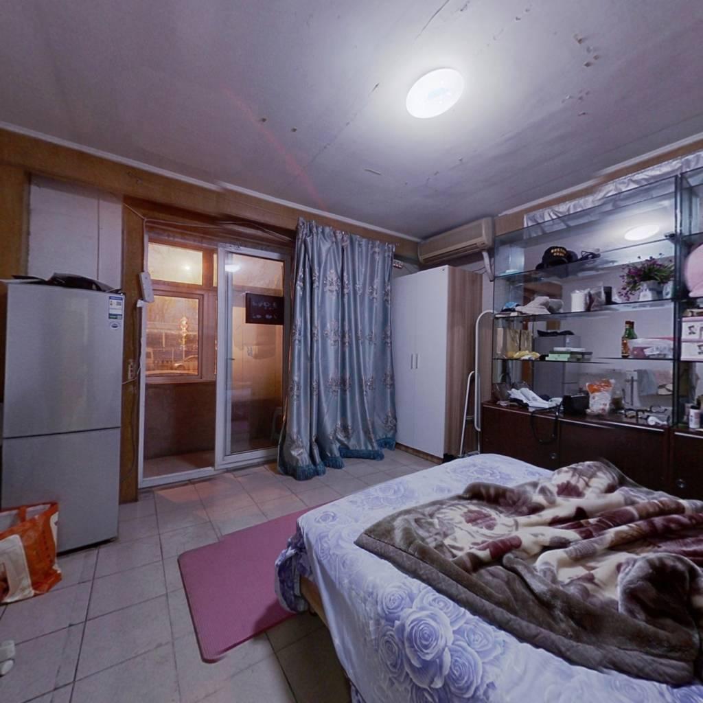 丝绸厂宿舍 2室1厅 325万
