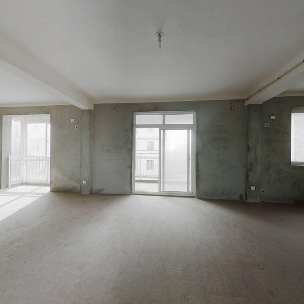 嘉善单价8000住宅楼,中间好楼层,满两年。