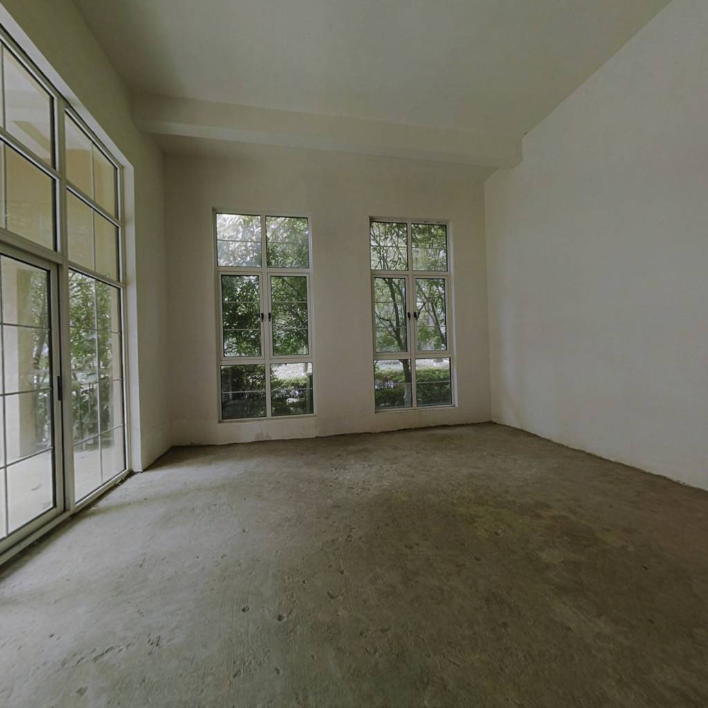 经典天成内独栋别墅诚心出售,产权清晰