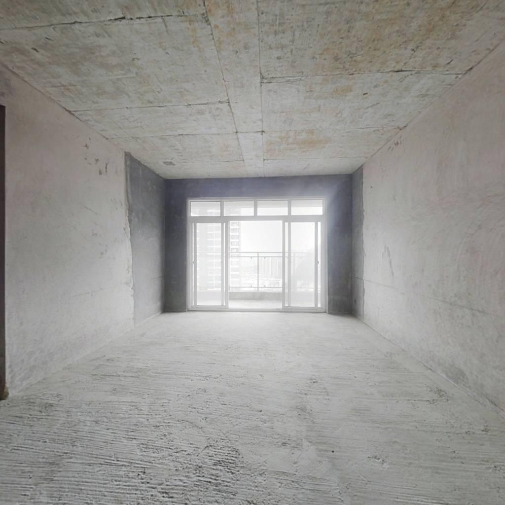 毛坯复式楼5房,带80平私家花园,超大阳台,看房方便