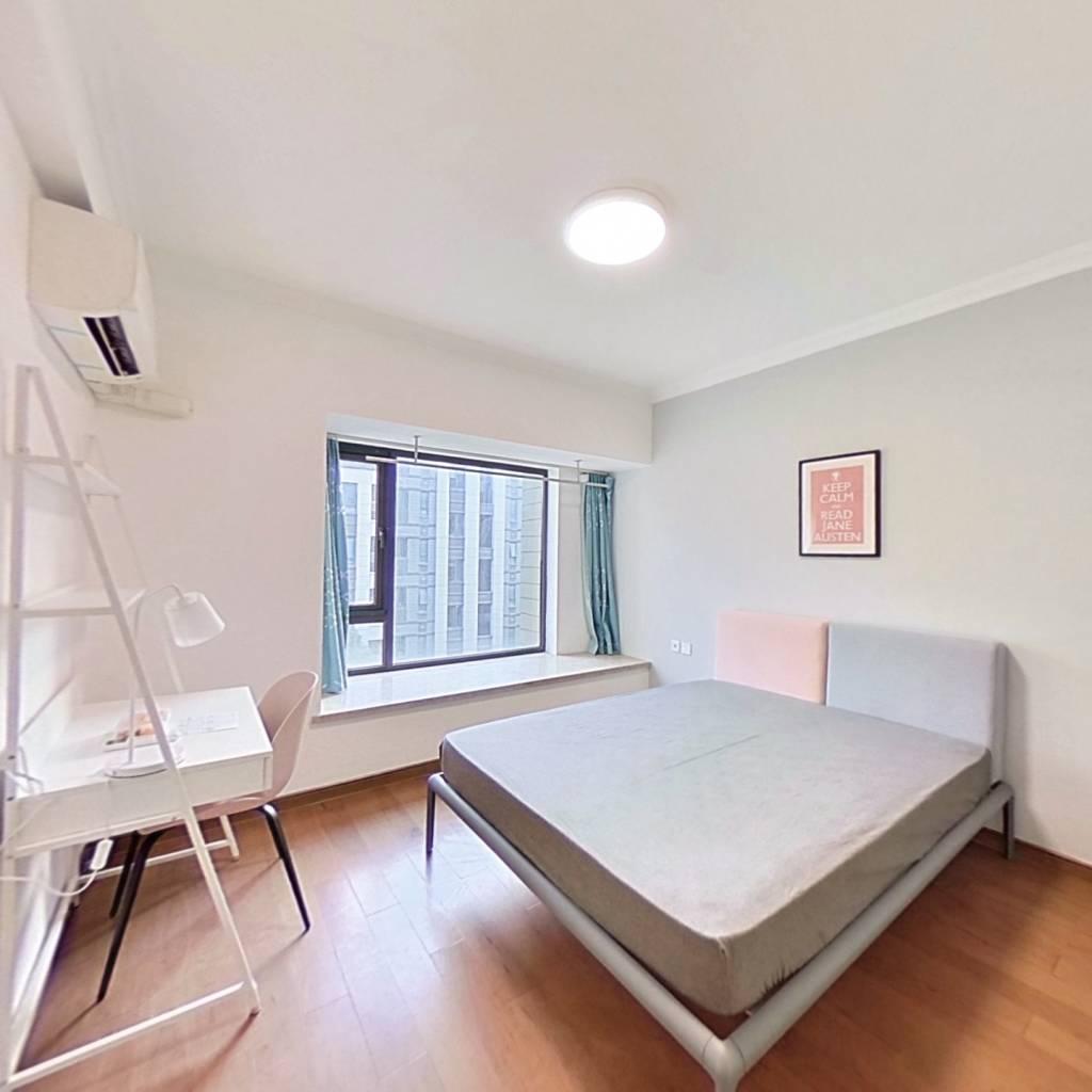 合租·合景映月台 4室1厅 南卧室图