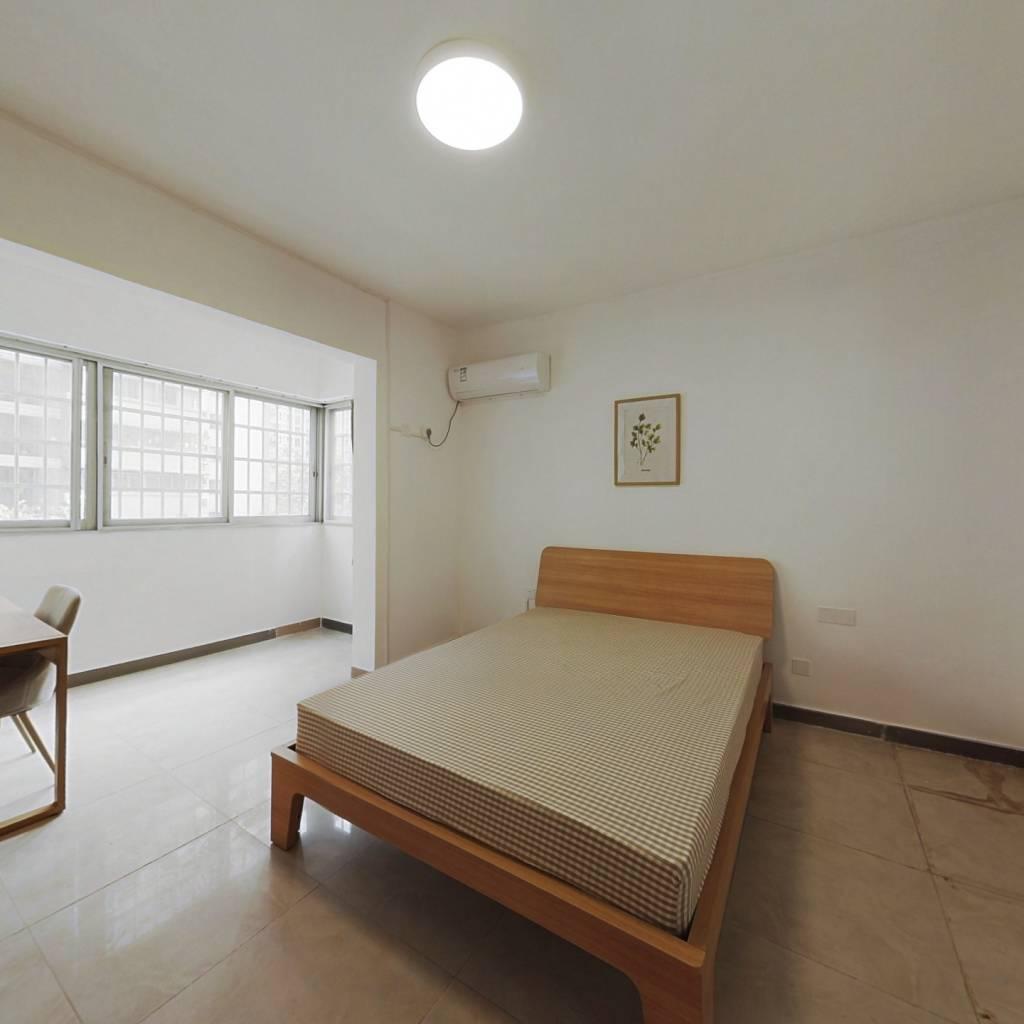 合租·省府宿舍 4室1厅 东卧室图