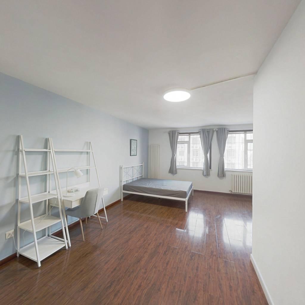 合租·程华里 5室1厅 南卧室图