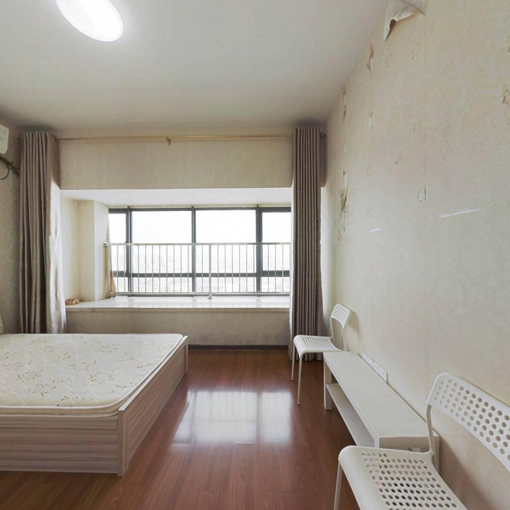 长江一号 1室1厅 南