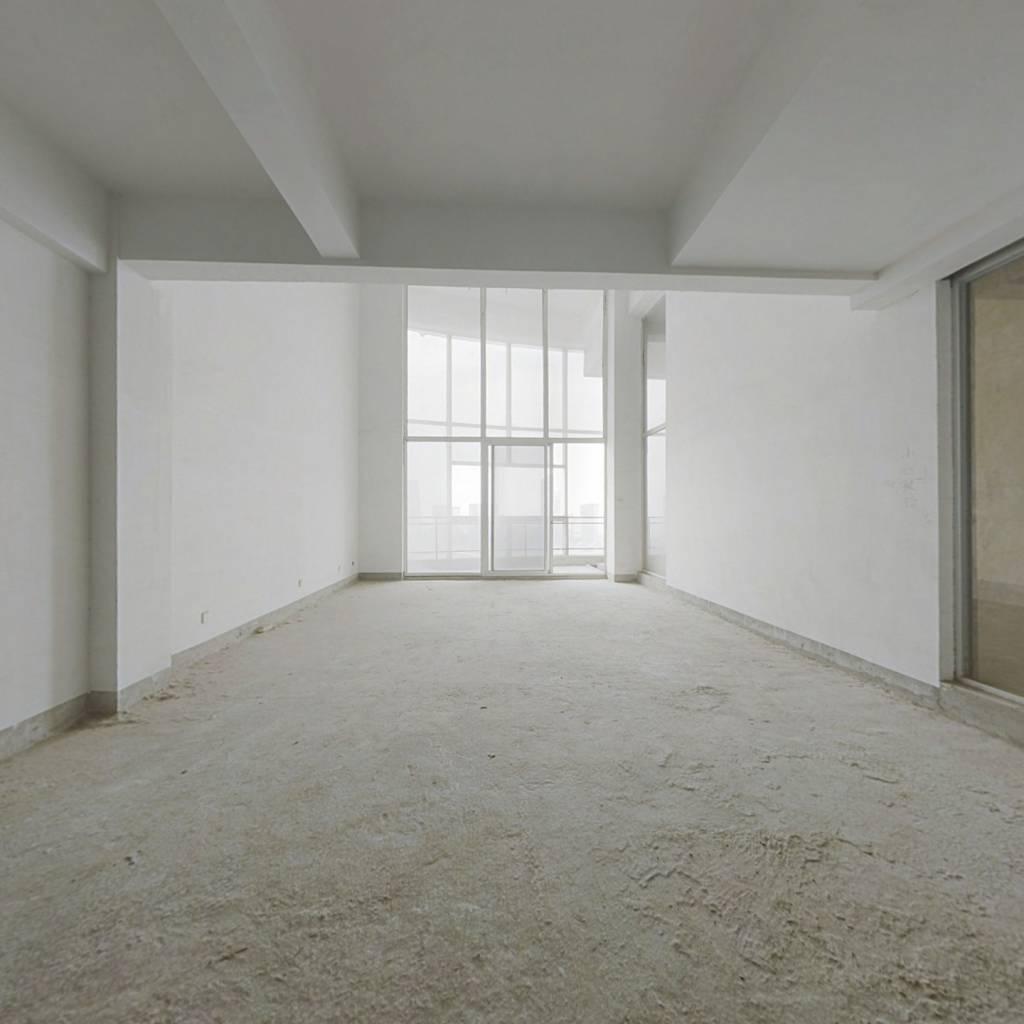 和谐天下楼中楼,高档住宅定位,纯毛坯出售,满二。