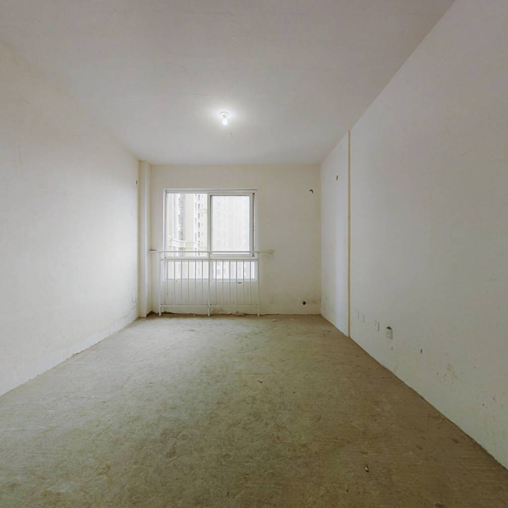 大学城西南交大旁温馨两居室,户型方正,环境舒适。