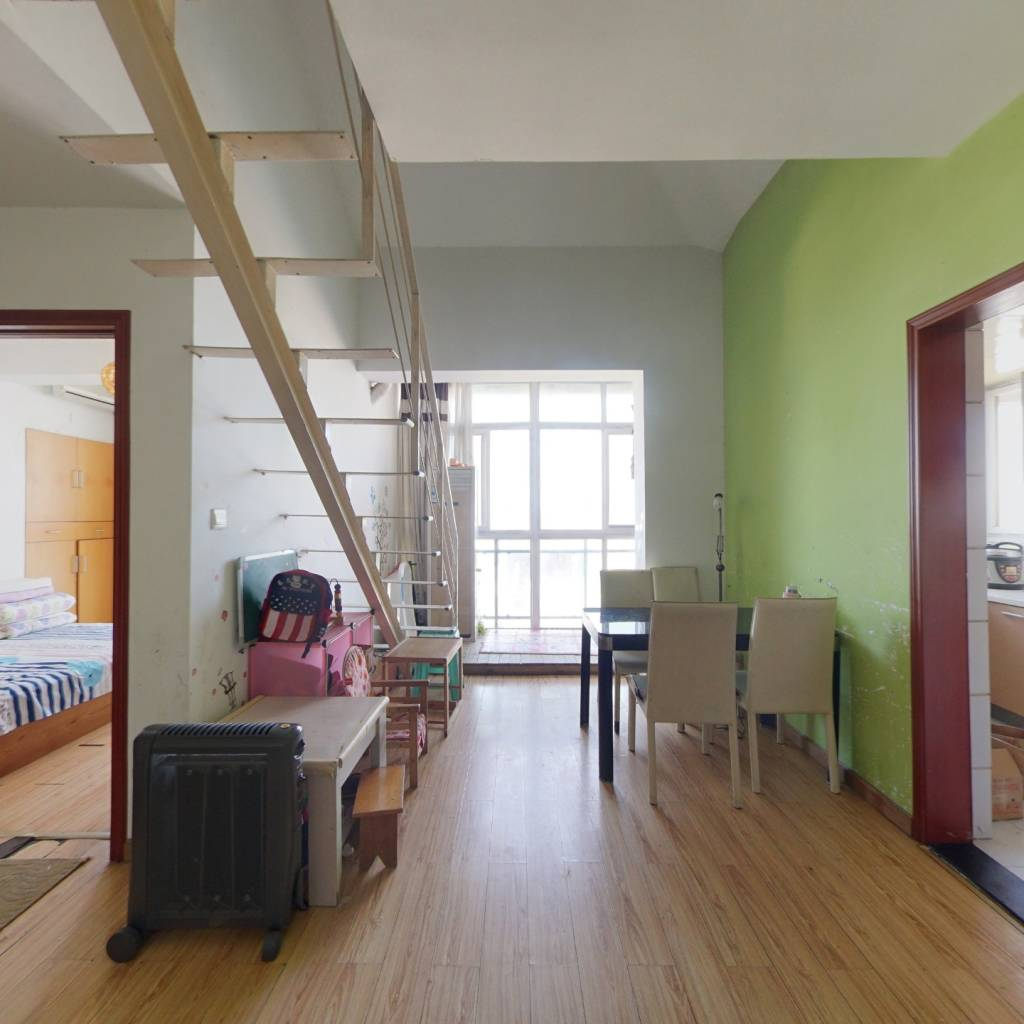 绿汀雅境 顶楼复式 居家装修 直接入住 两证满二
