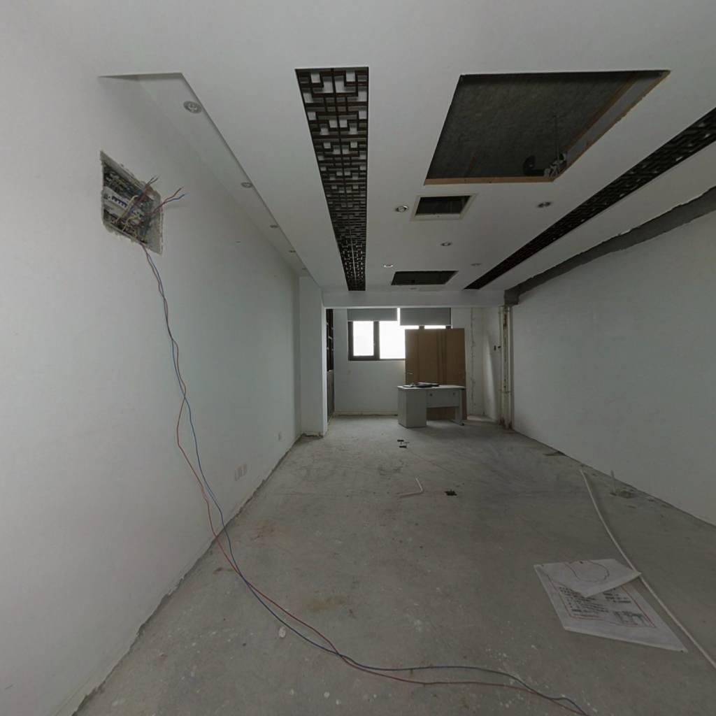 宝龙广场 成熟商圈 交通便利 一室公寓