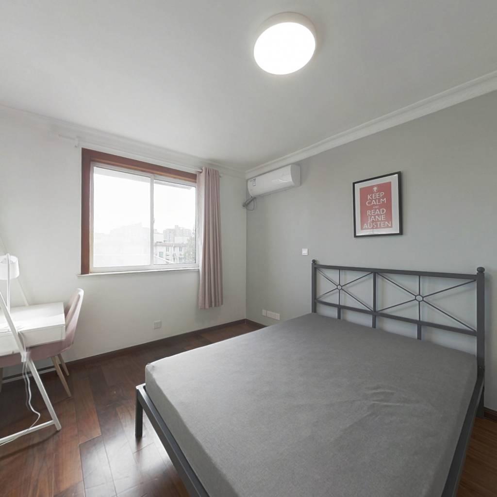 合租·六荷苑小区 3室1厅 南卧室图