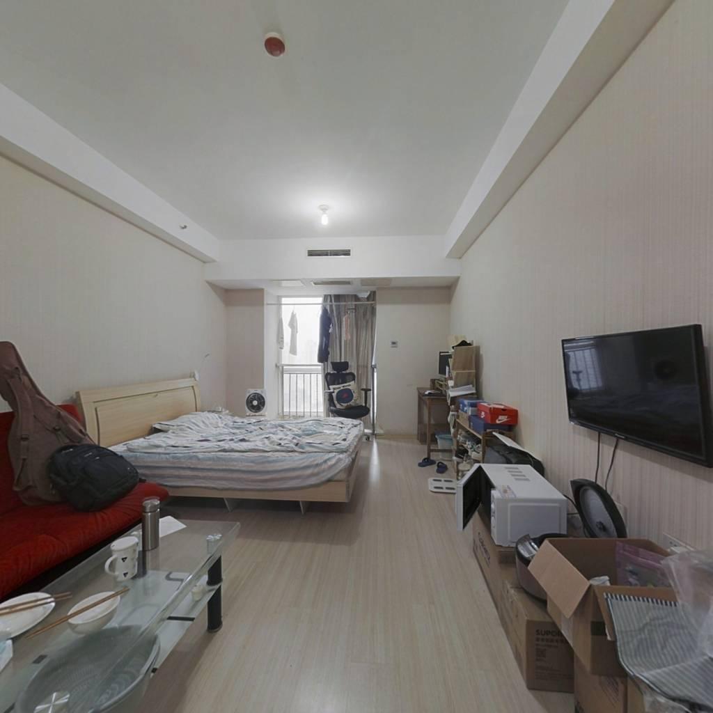 位于天时广场,单身公寓配套齐全,居住适宜