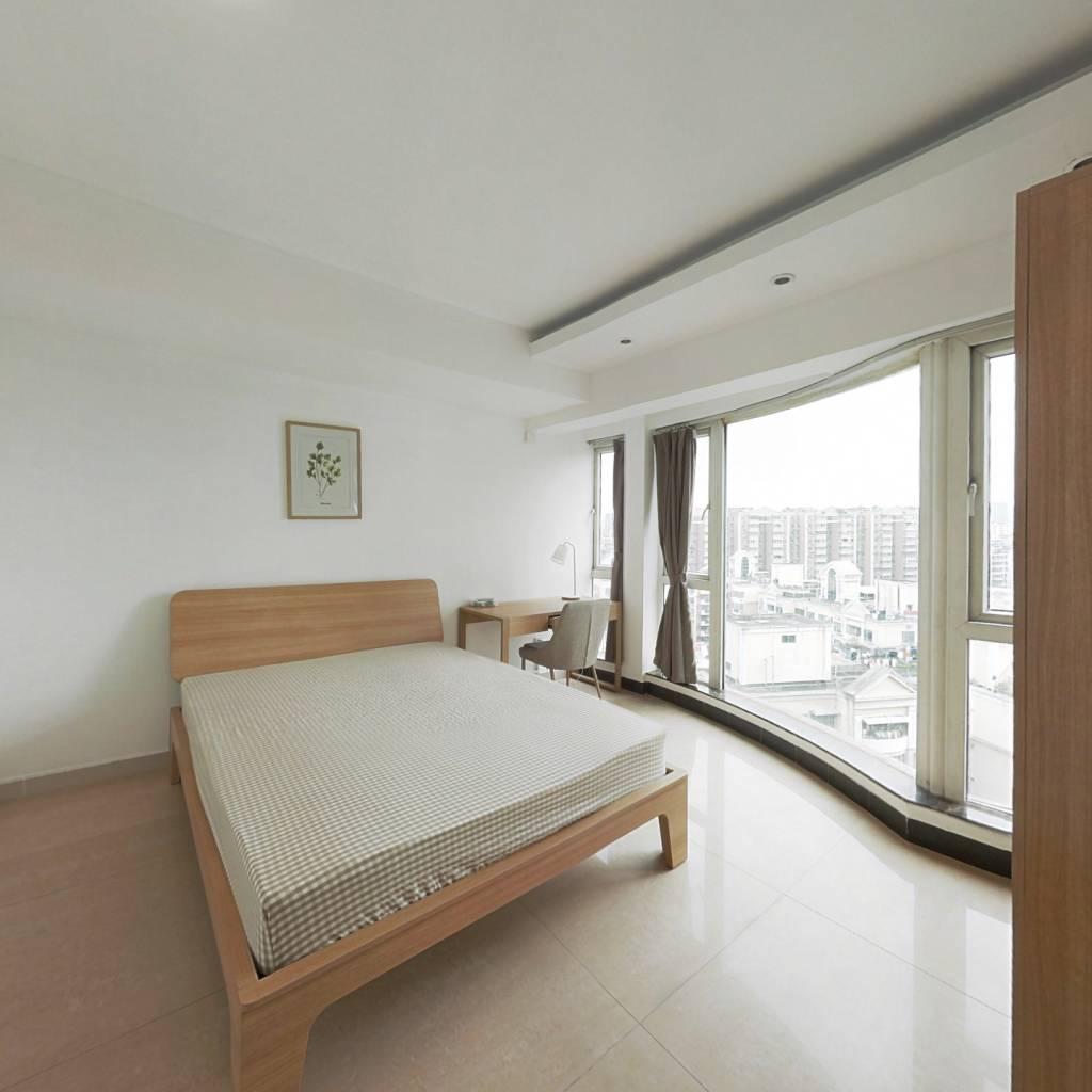 合租·翠逸家园 5室1厅 南卧室图
