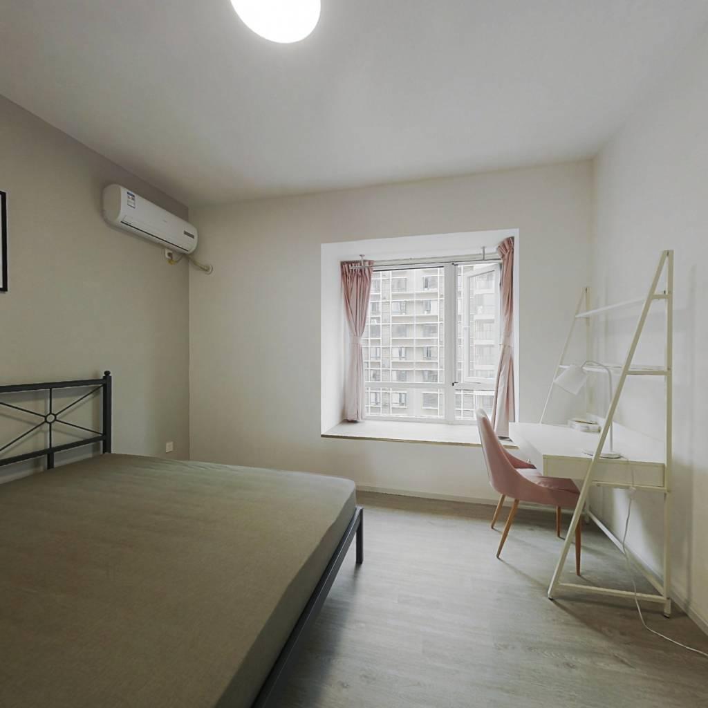 合租·黄金时代(中和街道办吉龙二街) 4室1厅 北卧室图