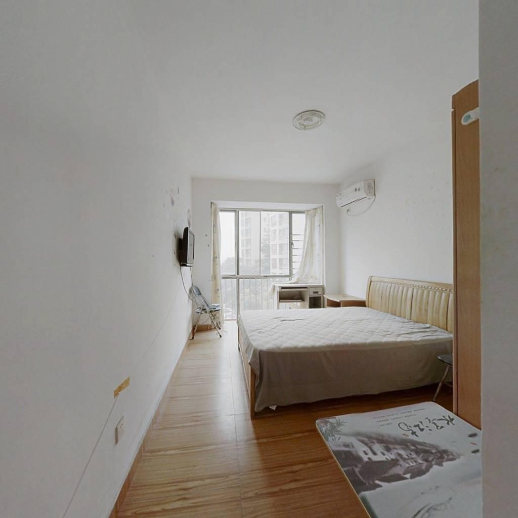 金湾南水恒翠家园经典一房一厅,首付9万,拎包入住