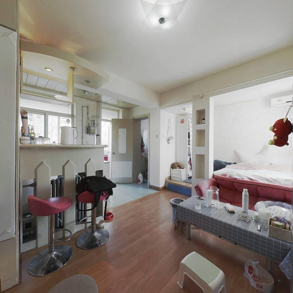 樱花园二区精装一居室看房方便诚心出售