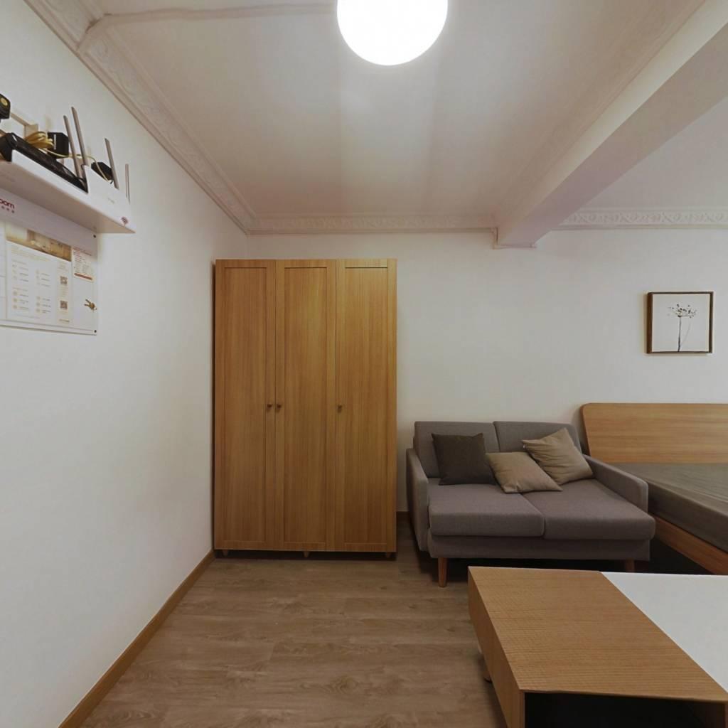 整租·虹延小区 2室1厅 南卧室图
