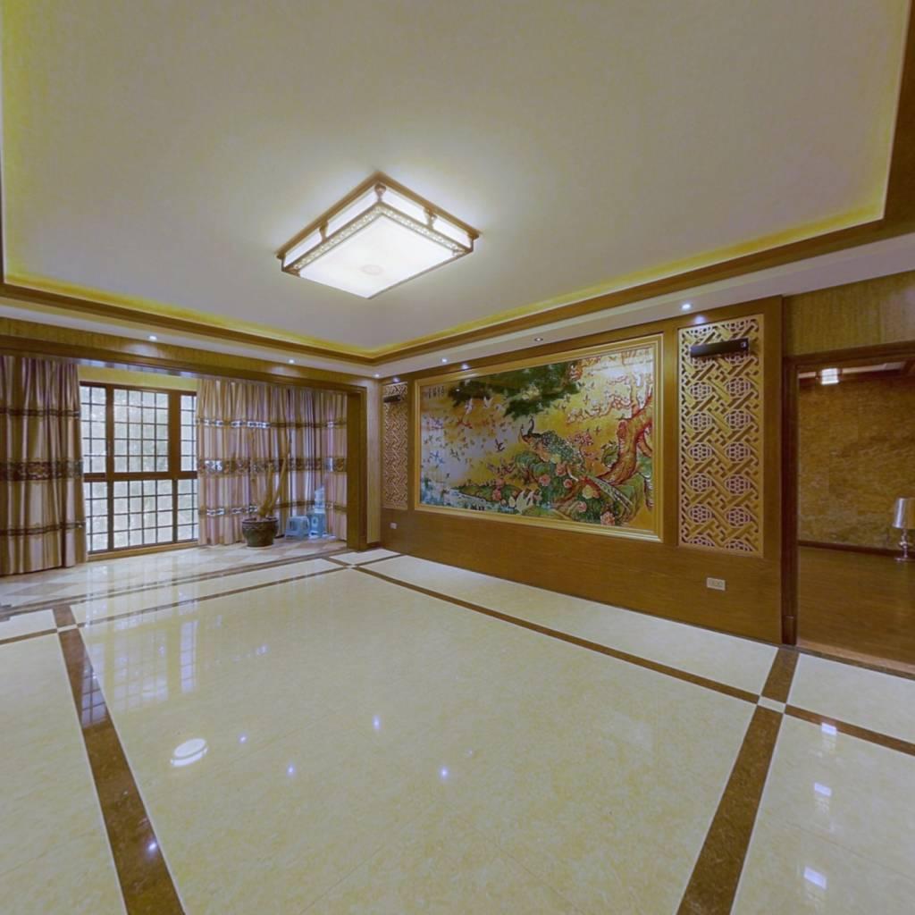 省政府后面黔灵半山C区花园洋房一楼带花园随时看房