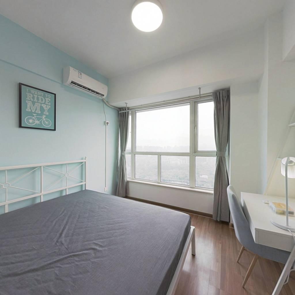 合租·天盛壹中心 3室1厅 西北卧室图