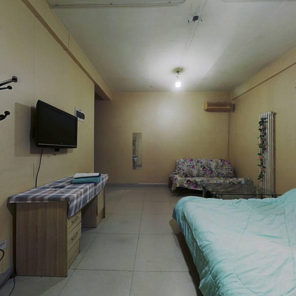 乐模大厦 1室0厅 东