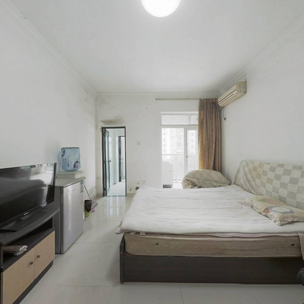 金领公寓 三灶单身公寓 家私齐全 业主诚心出售
