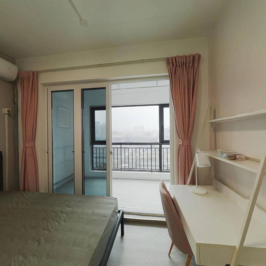 合租·绿地GIC 4室1厅 北卧室图