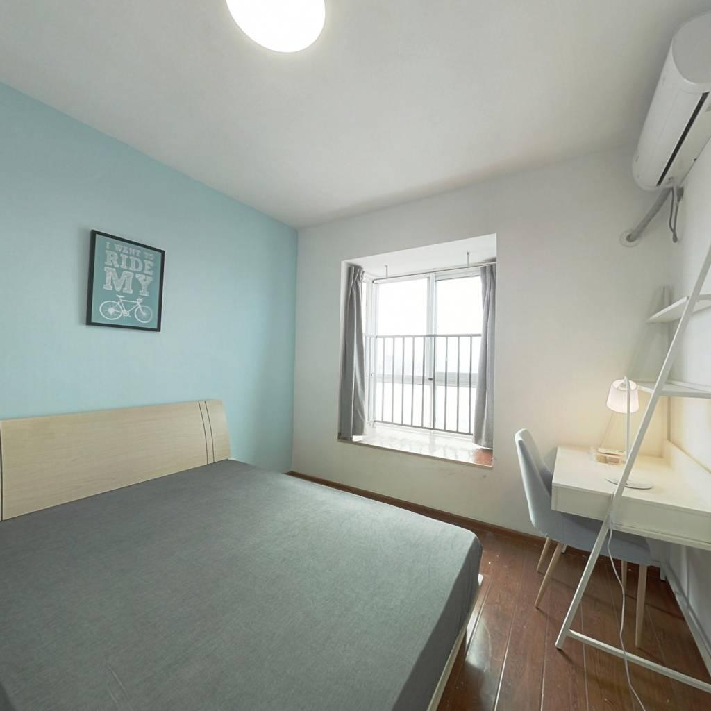 合租·沙河路苑 3室1厅 西卧室图