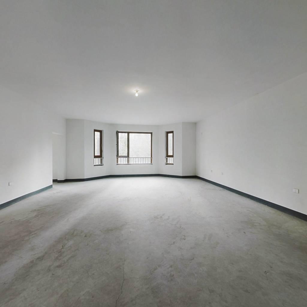 3楼 4向明厅整天采光精装修拎包即住无遮挡
