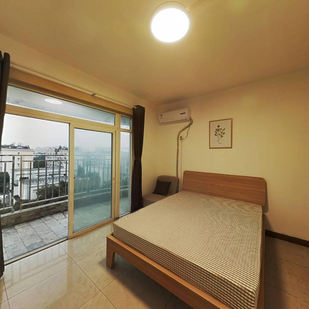 合租·新加坡花园 4室1厅 西卧室图