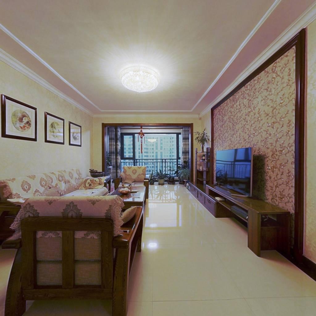 房主诚心出售,可贷款,南向,明厅,精装修。