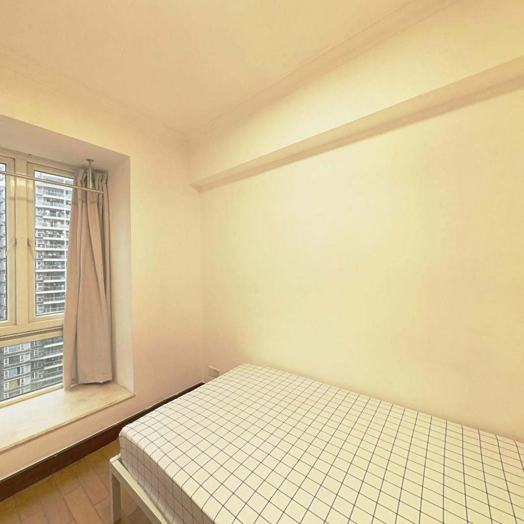 合租·华景新城翠安侬苑 4室1厅 北卧室图