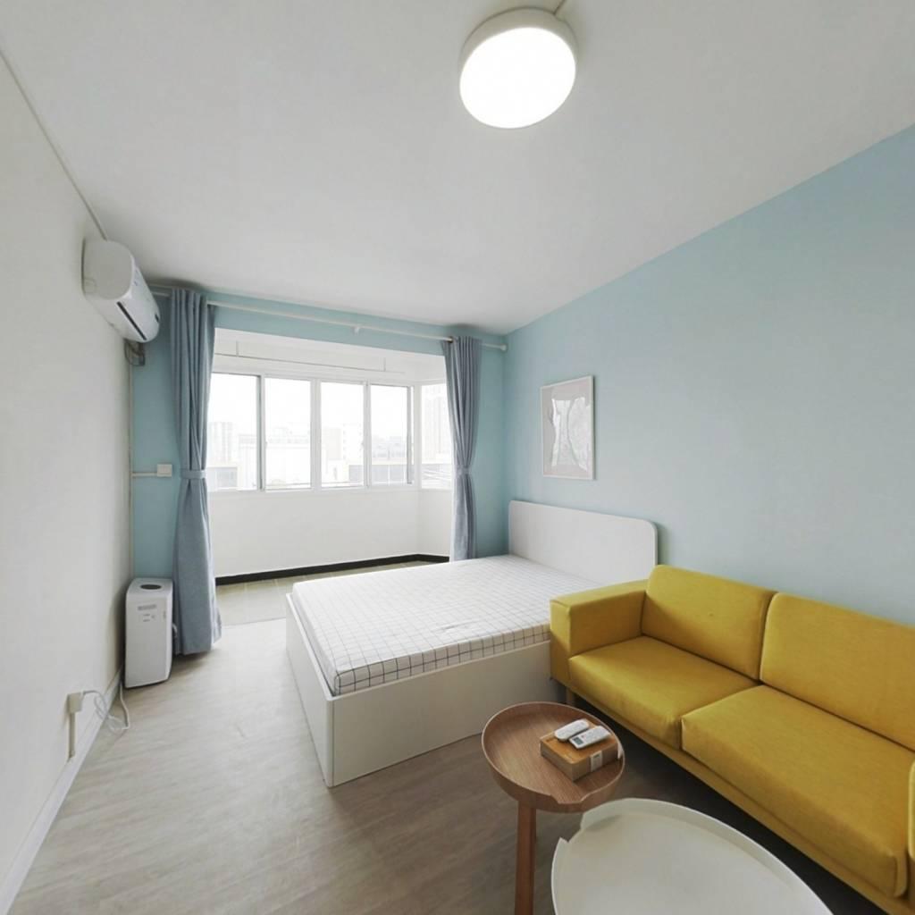 整租·龙漕路245弄 1室1厅 南卧室图