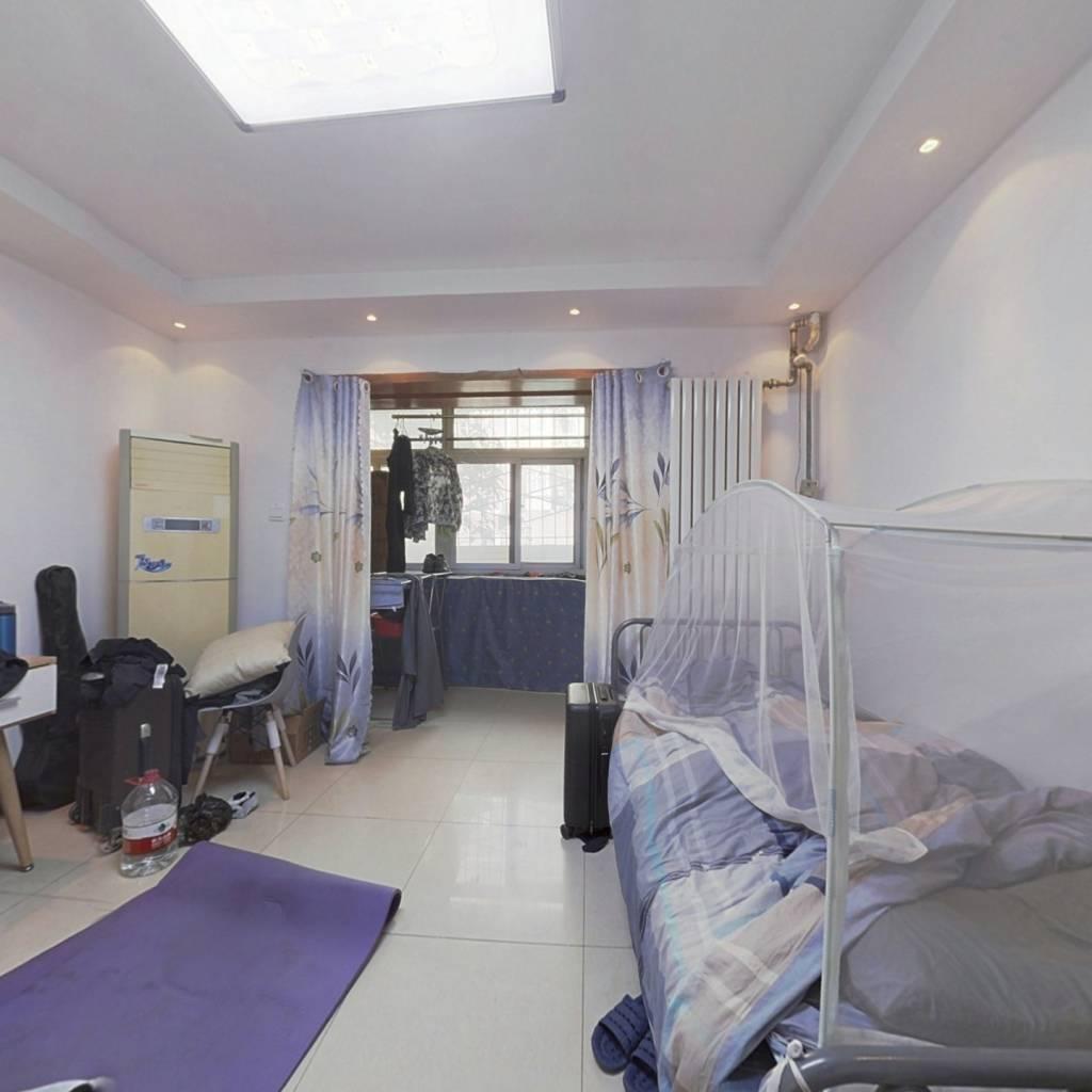 精装三居室 带客厅 低楼层 东西通透 楼龄新