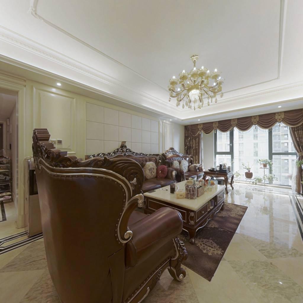 二七广场旁,精装好房,带车位家具,业主诚心出售
