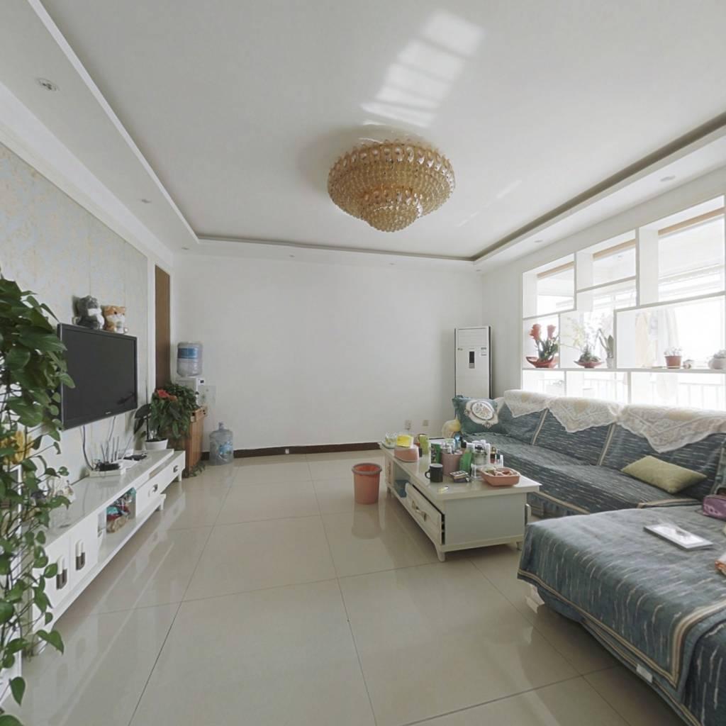 世纪新筑证过二新装修三室两厅,房东置换急售
