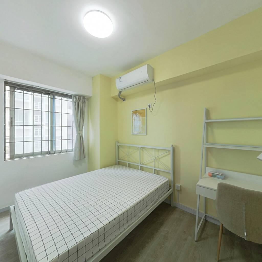 合租·共和西小区 3室1厅 东北卧室图