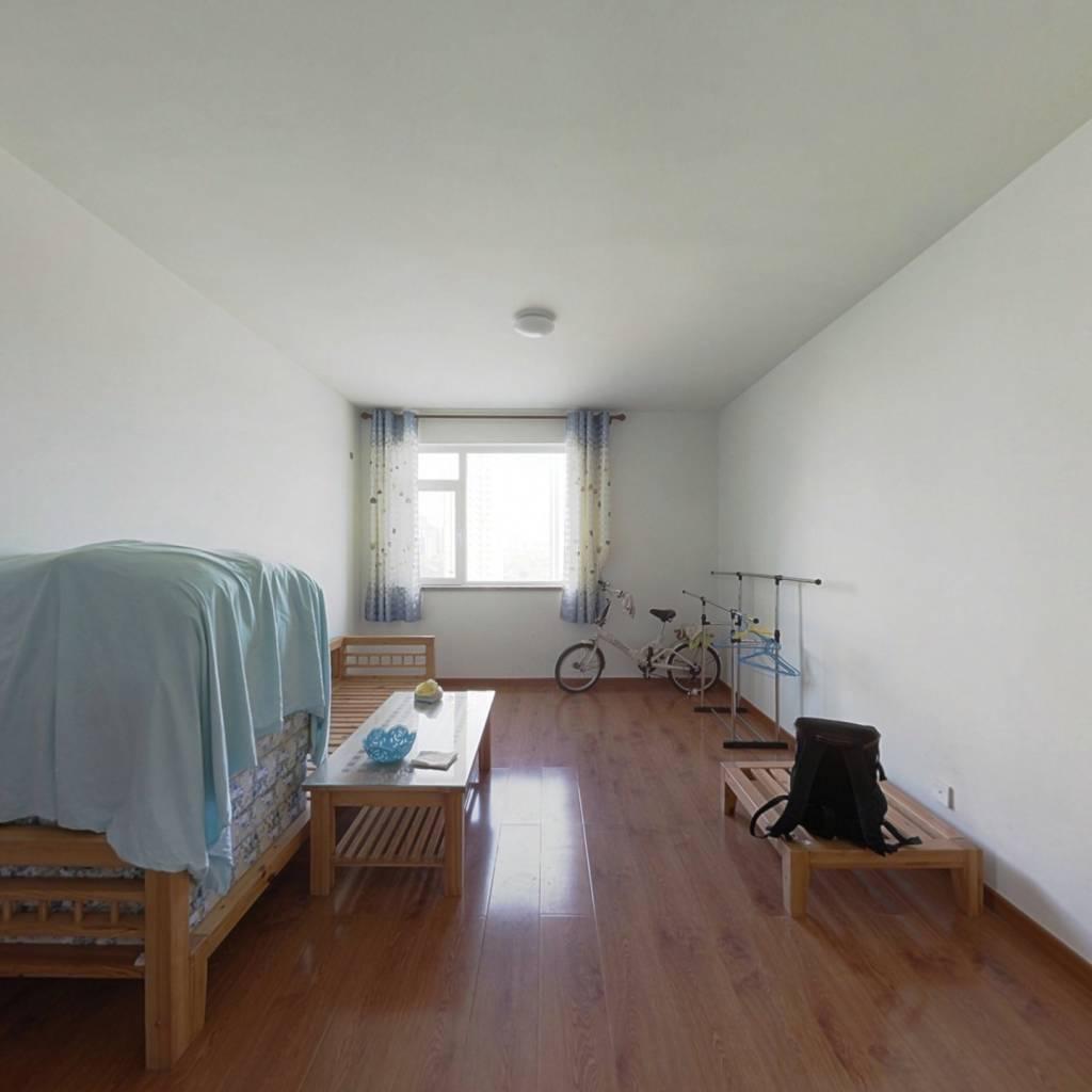 融创二居室,双南卧采光充足,小区绿化环境好