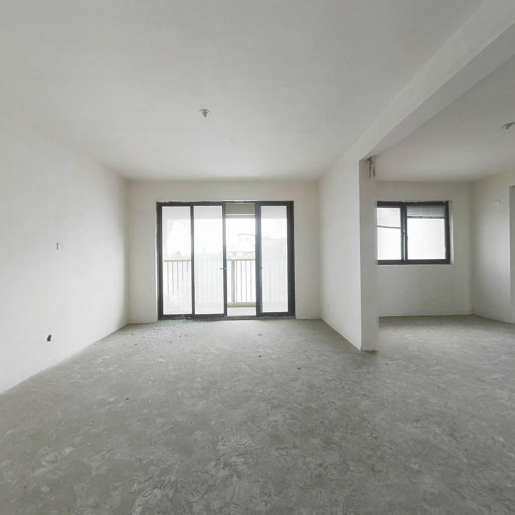 外滩名.门3房,俯瞰长江, 中间楼层.外带车位一个