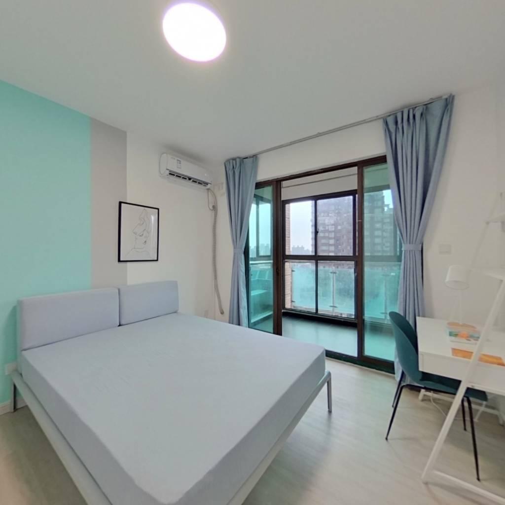 合租·九歌花园 3室1厅 南卧室图
