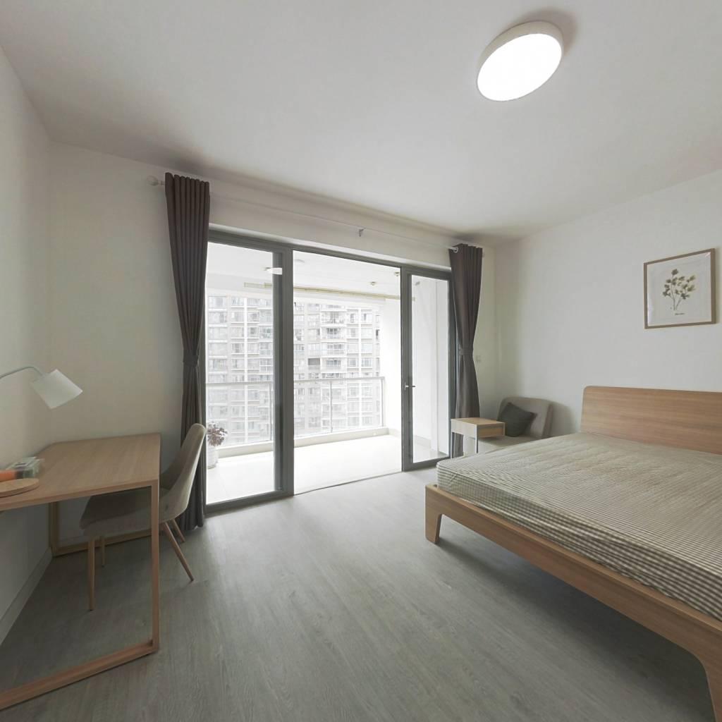 合租·时代晶科名苑 4室1厅 西卧室图