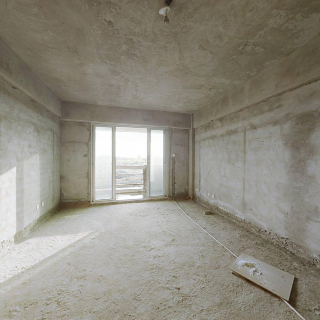 鑫顺一期,东边套,3室2厅 高层视野好 南北朝向