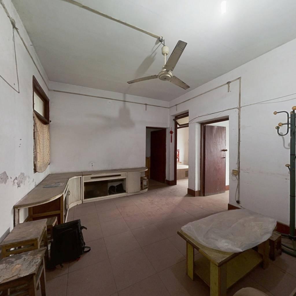 长寿老城房源   楼梯房  高楼层  正三房