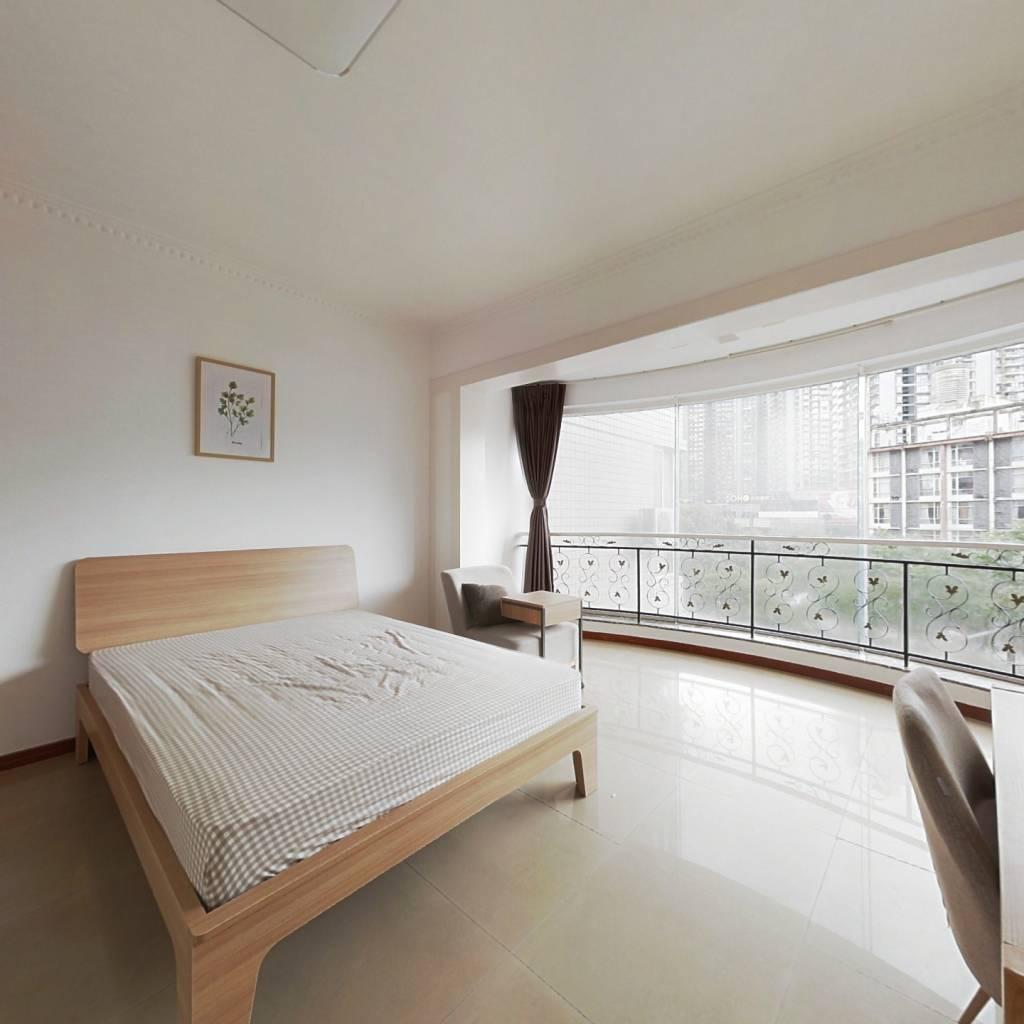 合租·鸿禧花园 4室1厅 东卧室图