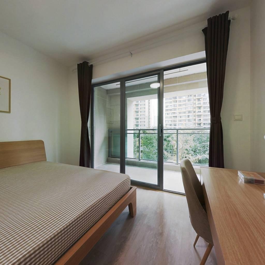合租·御龙山二期 3室1厅 东卧室图